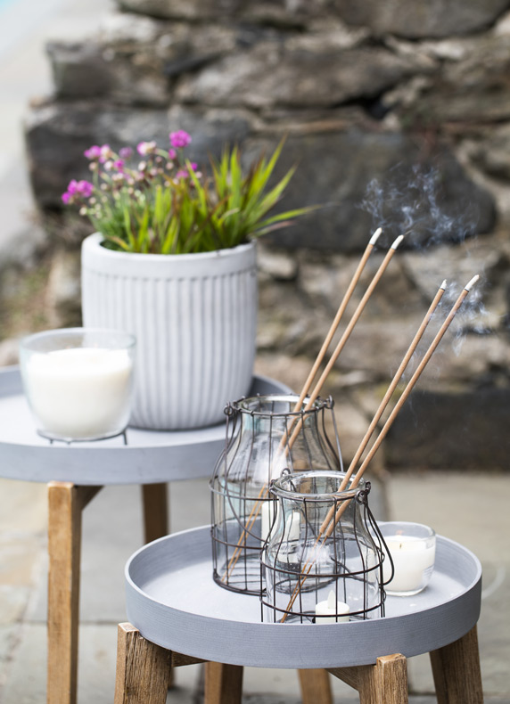 Citronella Flyaway Sticks | to keep bugs at bay