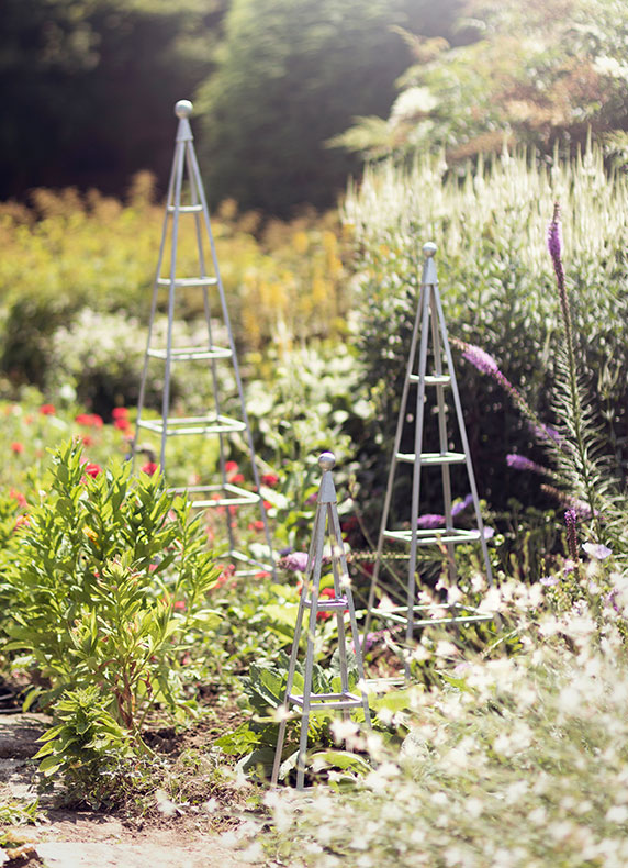 Raise the Stakes | with hand-forged steel structures for the garden